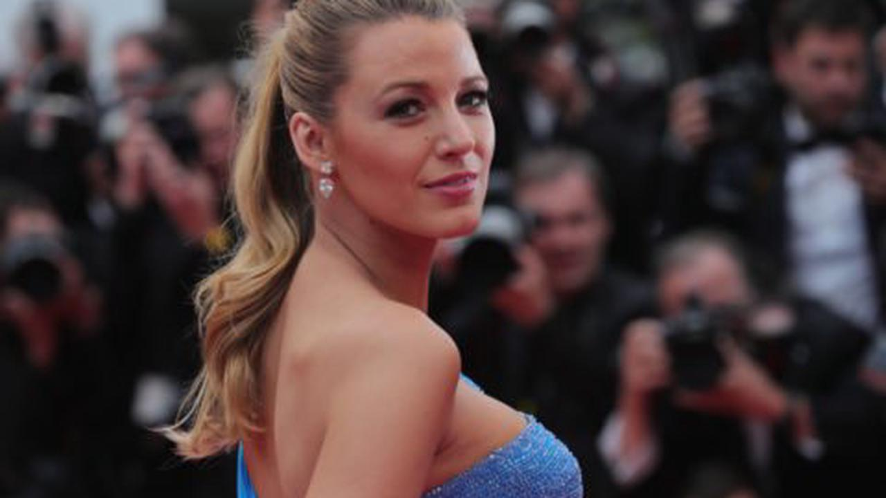 """Blake Lively Is Fed Up with Paparazzi """"Stalking"""" Her Children"""