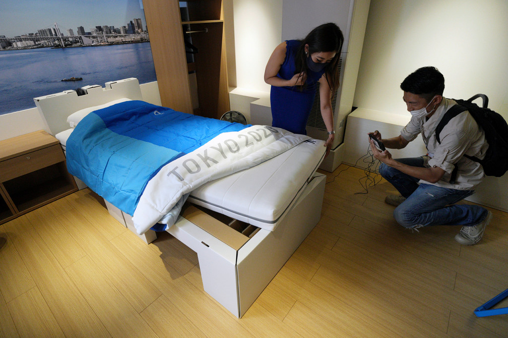 Athletes to sleep on 'anti-sex' cardboard beds at Olympic Games amid COVID